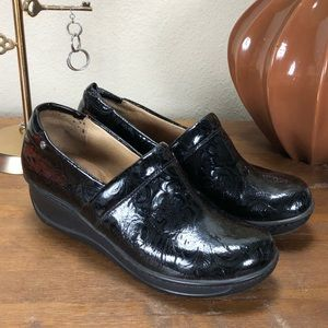 Nurture Black Patent Leather Cushioned Insole Clog